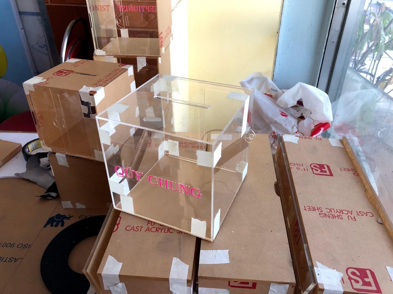 hộp nhựa mica hình vuông